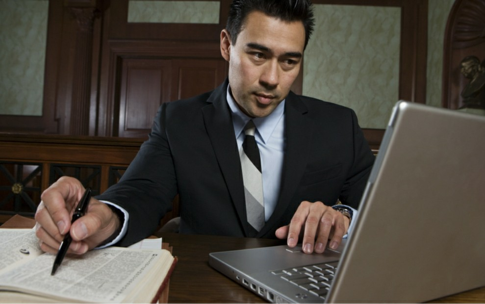 elder law attorney doing research
